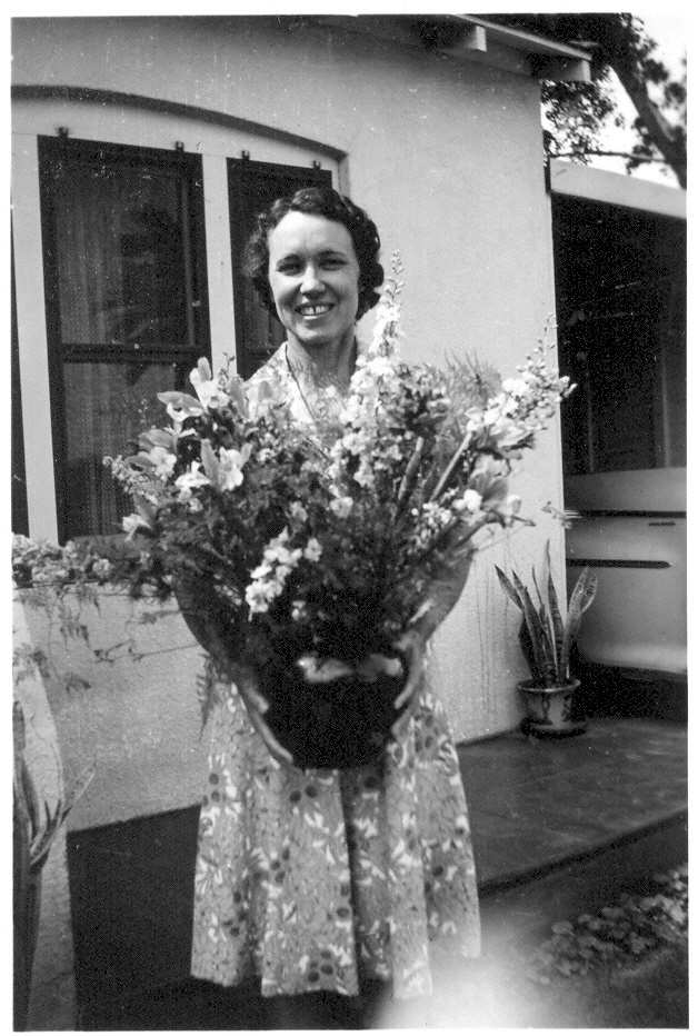 Annie Marie Tanner Pomeroy loved flowers